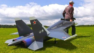 RC SCALE MODEL AIRPLANE SU30 IN FORMATION!! 2x RC JET SUCHOI SU-30* RC JET SHOW