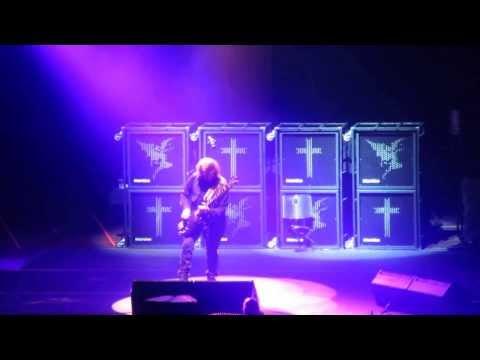 Black Sabbath - Bassically