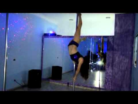 Pole dance Alessandra Rancan – performance Studio karen Bellini (May 2012)