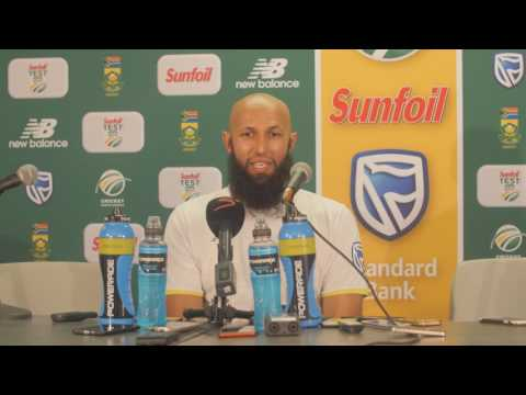 Amla celebrates his ton of Tests in perfect style