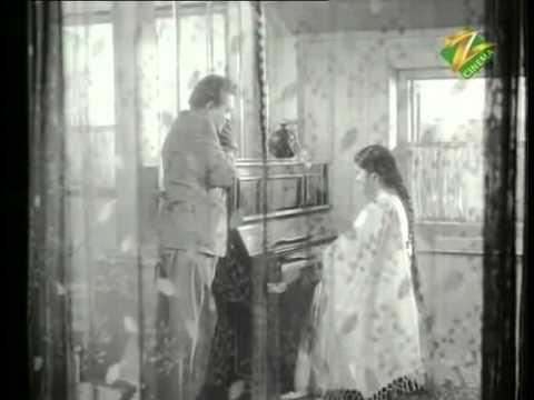 Dheere Dheere Machal Ae Dil-e-Beqaraar - Anupama - Lata