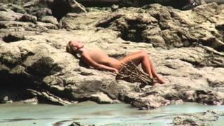 Naked Survival - Ausgezogen In Die Wildnis: Menschlicher Parasit