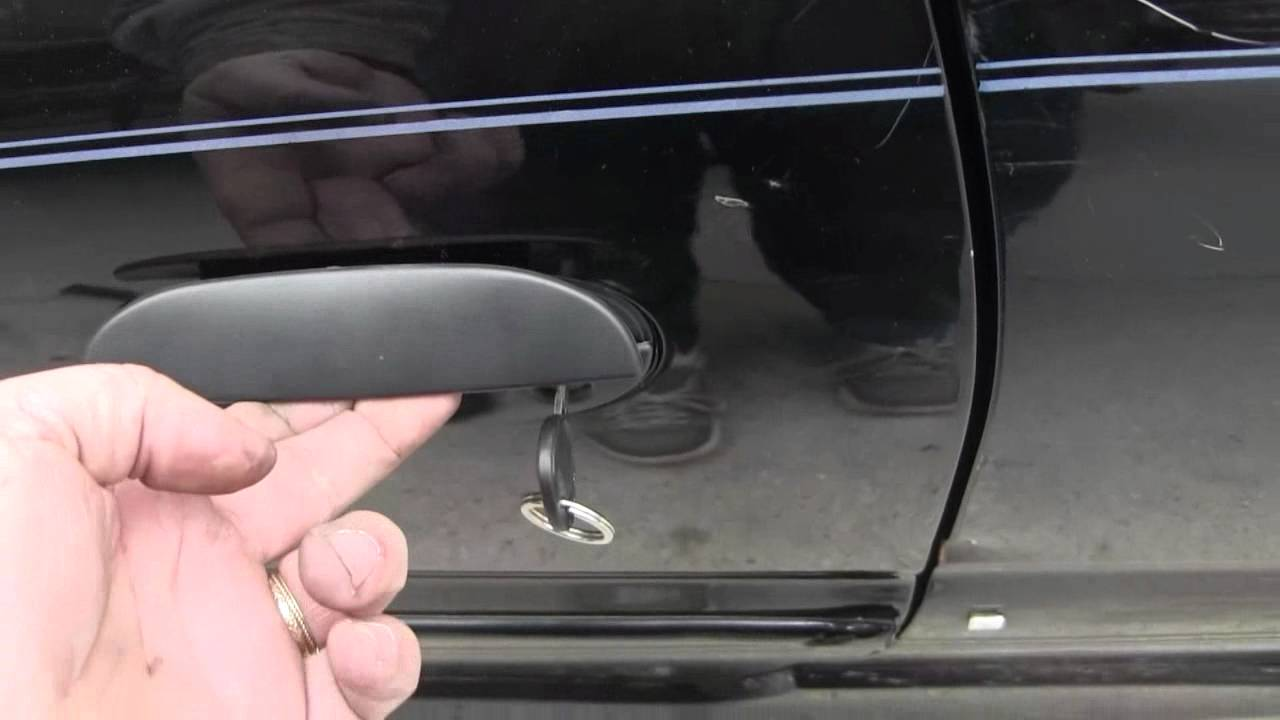 How To Replace A Car Door Handle 2 2 Hyundai Accent Youtube