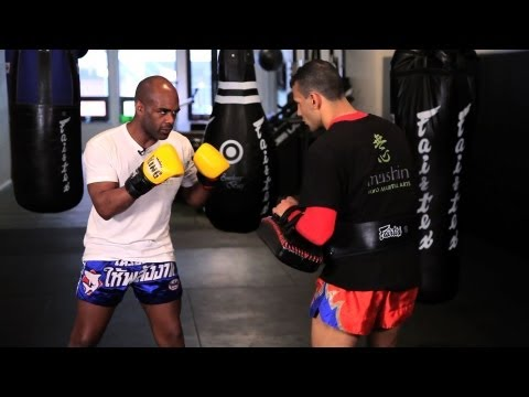 Advanced Kickboxing Strike Combination | Muay Thai Image 1