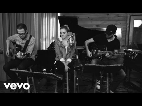 Danielle Bradbery - Set Fire To The Rain video