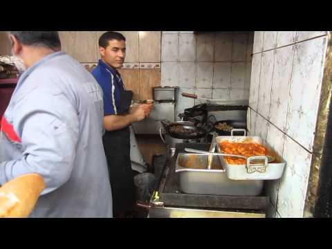 Algeria street food in the algiers 39 historic casbah for Algerian cuisine youtube