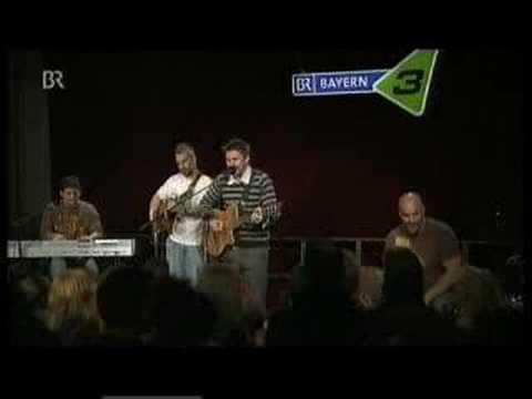 Juanes - Bandera De Manos (live)