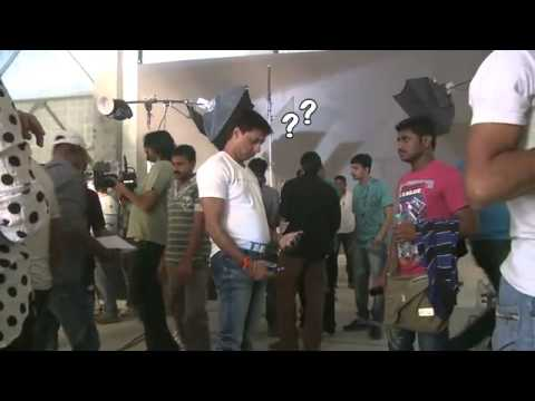 Kareena Kapoor Arrives To Shoot For Sexy And Hot Heroine!-.flv video