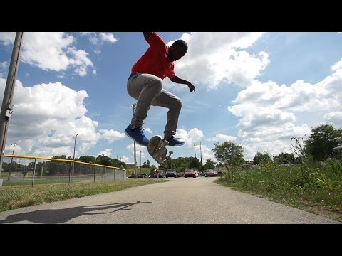Skateology - Nollie late kickflip with Simon Lambey