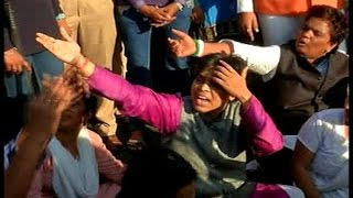 Women activists stopped From Entering Inner Sanctum at Shani temple | Video