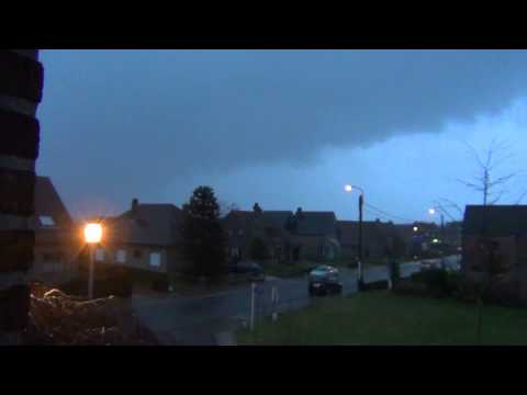 Onweer 3 Januari 2014 + Rukwinden (lightning Storm 3 January 2014) video