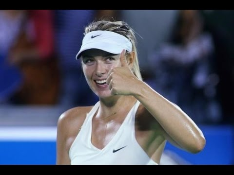 Sharapova's Soccer Skills – Federer in China