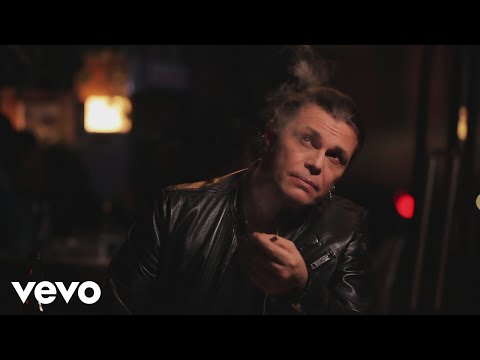 Gianluca Grignani - Tu che ne sai di me (Official Video)