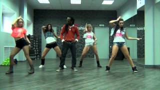 Ice-cream crew and DHQ Fraules dancing on Ice Man -rude wine (Choreo by Orville Xpressions)