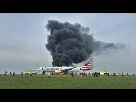 Se QUEMA un AVIÓN por REVENTAR el Tren de Aterrizaje en PLENO DESPEGUE |28/10/2016|CHICAGO
