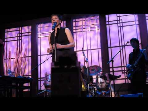 Bettye Lavette - Pittsbugh 2013 Love Reign O'er Me