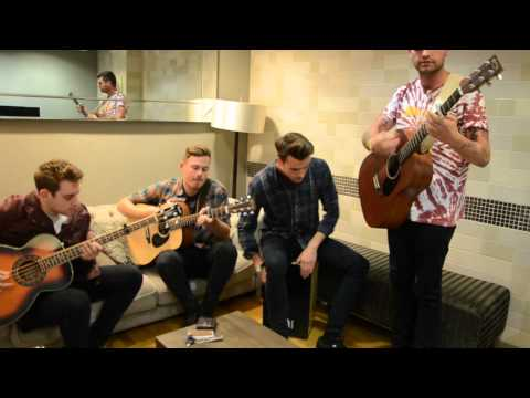 SESSION: Lower Than Atlantis - 'Love Someone Else'