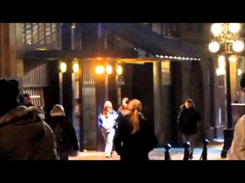Fringe episode 415 A short Story About Love filming scene between Anna Torv & Joshua Jackson