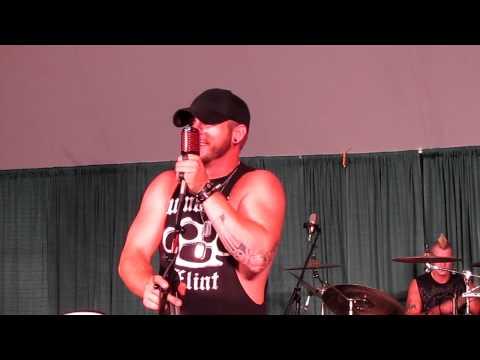 Brantley Gilbert - Kick It In The Sticks - Muzikfest 8 10 11 video