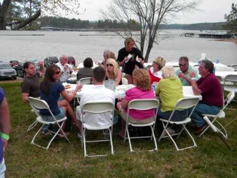 Acworth Fish Camp - Holiday Harbor Marina - Lake Allatoona, Ga.wmv