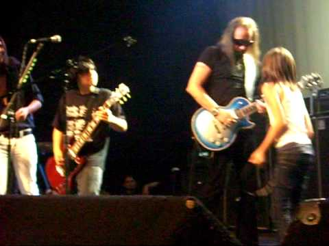 ACE FREHLEY/STEVEN ADLER/MIKE STARR playing Shout it out Loud with Paul Green's School of Rock