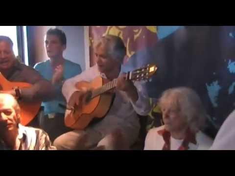 Manitas de Plata, Manéro, Bambo et sa tribu fêtent l'anniversaire du génie, 90 ans.