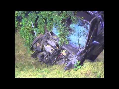 Kerítésnek ütközött egy autó, egy ember meghalt, kettő megsérült Nyírkércsen - szon.hu