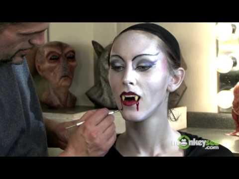 Vampire Makeup Finishing The