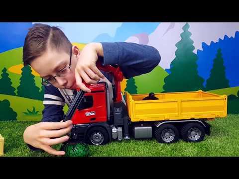 #Bruder машинки Грузовик с краном манипулятором MercedesBenz Разгрузка Orbeez Bruder trucks for kids