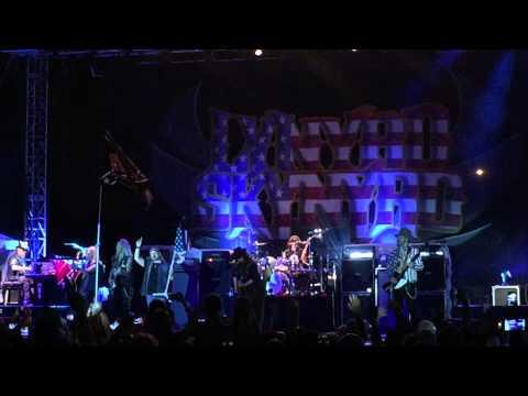 Lynyrd Skynyrd - Free Bird In Miami 03 07 15 video