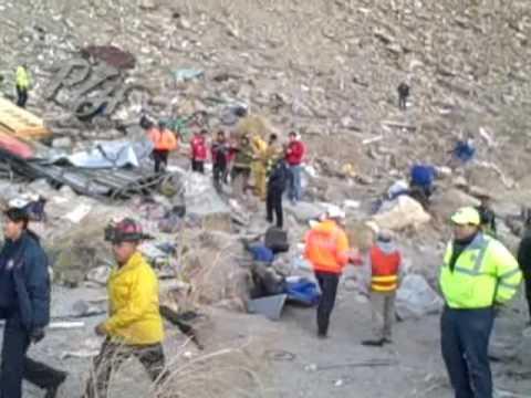 Autobús cae en la Rumorosa más de 14 muertos