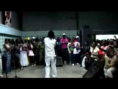 Kenny B - Live in  Sranang