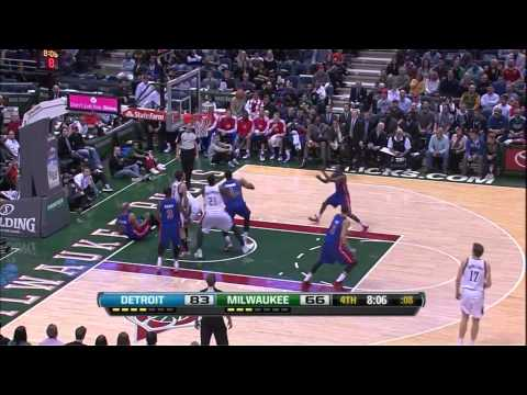 Andre Drummond Blocks Drew Gooden Gooden