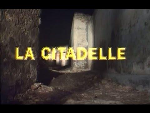 """""""La Citadelle"""" (El Kalaa) Mohamed Chouikh (1988)"""