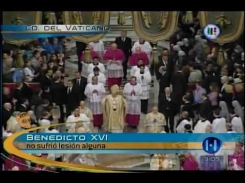 La cronica La Caida del Papa Benedicto XVI