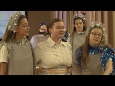 """Новогодний спектакль """"Новогодняя история"""" в школе №1222"""