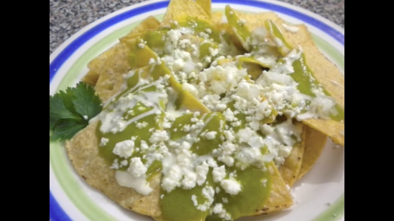 CHILAQUILES VERDES | Receta Facil - YouTube