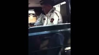 Mumbai RTO officer Patil (Tardeo RTO) taking bribe opposite Mahalaxmi temple.MOV