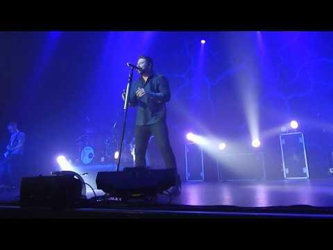 I'm Comin' Over ~ Chris Young (Biloxi)