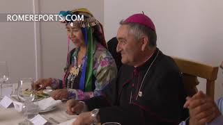 Pope Francis has lunch with Mapuche indigenous people