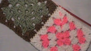 """Two Ways Using Single Crochet to Join a Granny Square"""