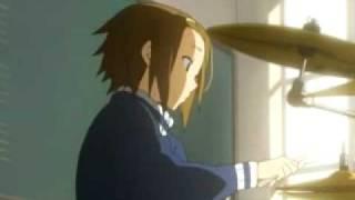 Ritsu, Mio and Mugi performing for Yui [K-on episode 1]