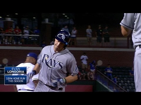 Longoria slugs a two-run homer to left field