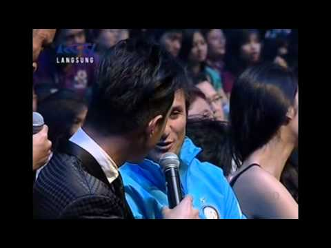 Javier Zanetti Singing in Indonesian Idol 2012