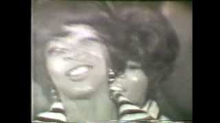 "Martha & The Vandellas ""Dancing in the Streets"""
