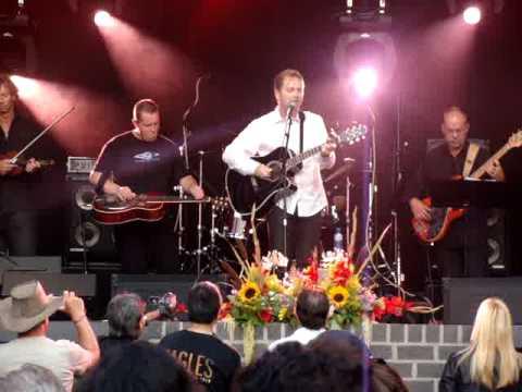 Holes in the floor of heaven - Steve Wariner live