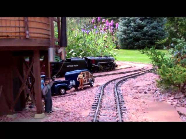 The Foster's Garden Railroad: Scenes & Engineer's Cab Ride.