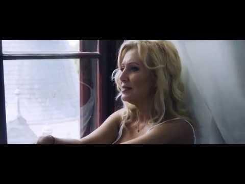 Berkes Gabriella - Görbe tükör (hivatalos videoklip)