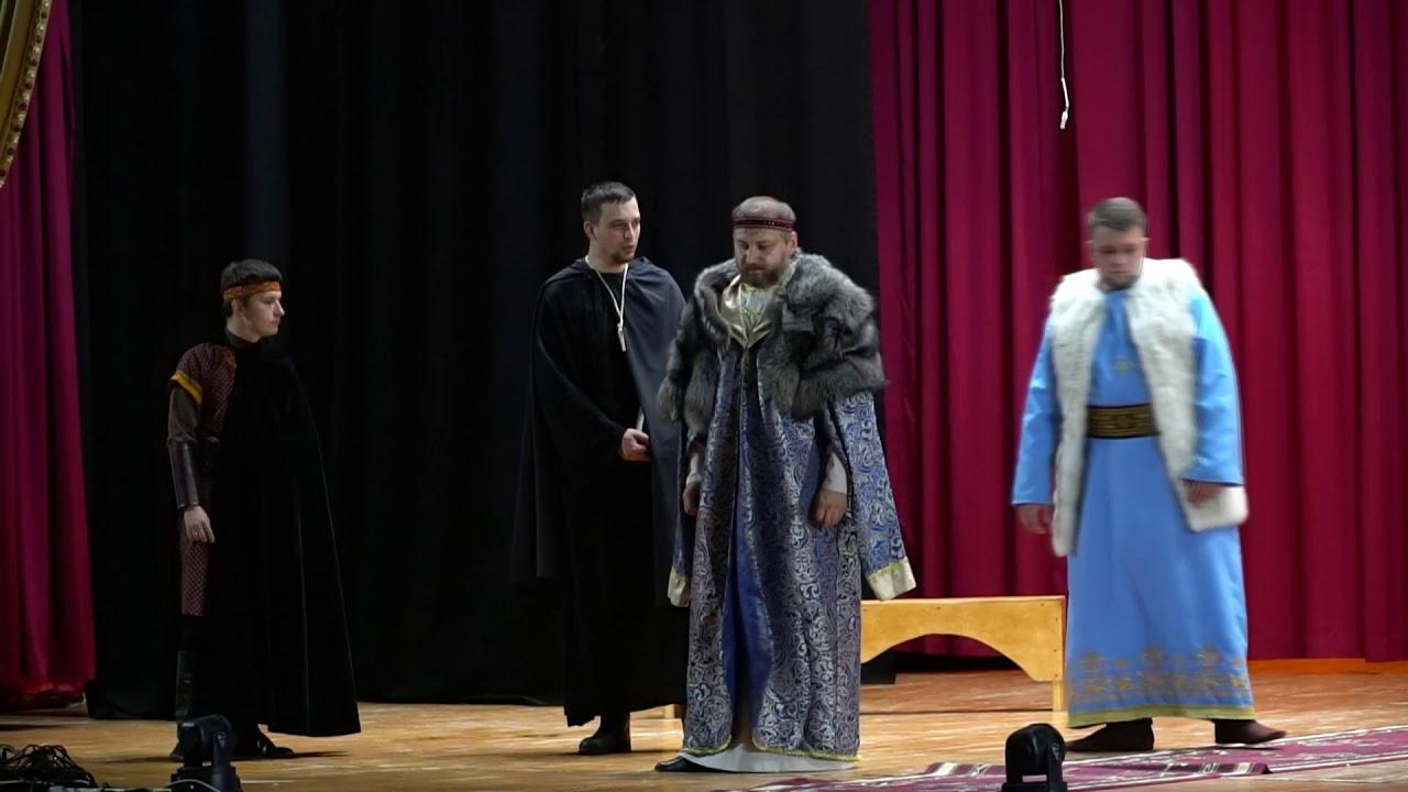 """Битва на мечах та подих історії. Театр """"Легенда"""" презентував виставу """"Данило Галицький"""""""