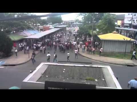 Protesto de estudantes na integração pela passagem livre